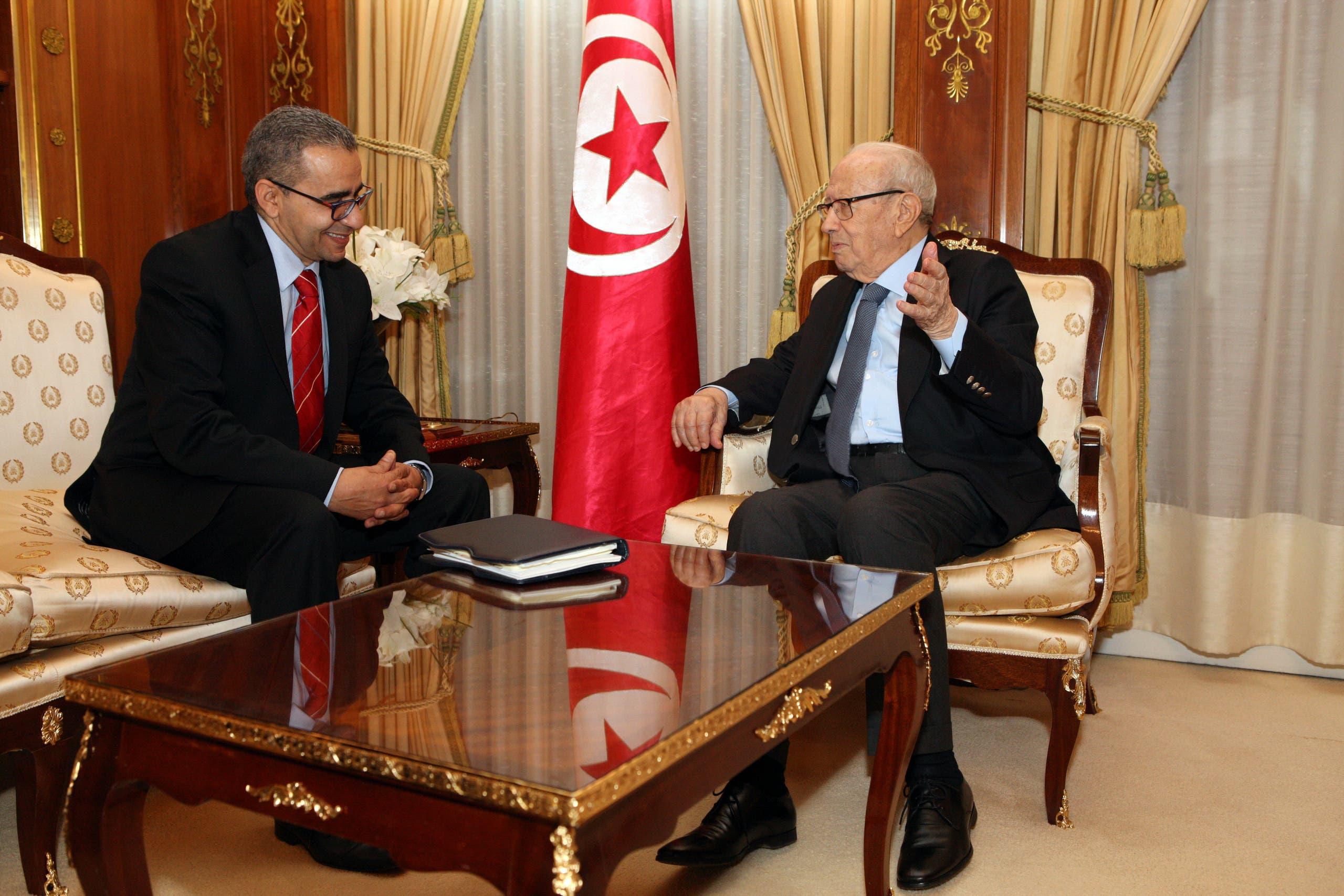 Tunisian President Beji Caid Essebsi sits down with AlArabiya.Net's correspondent Mondher Bedhiafi. (Al Arabiya)