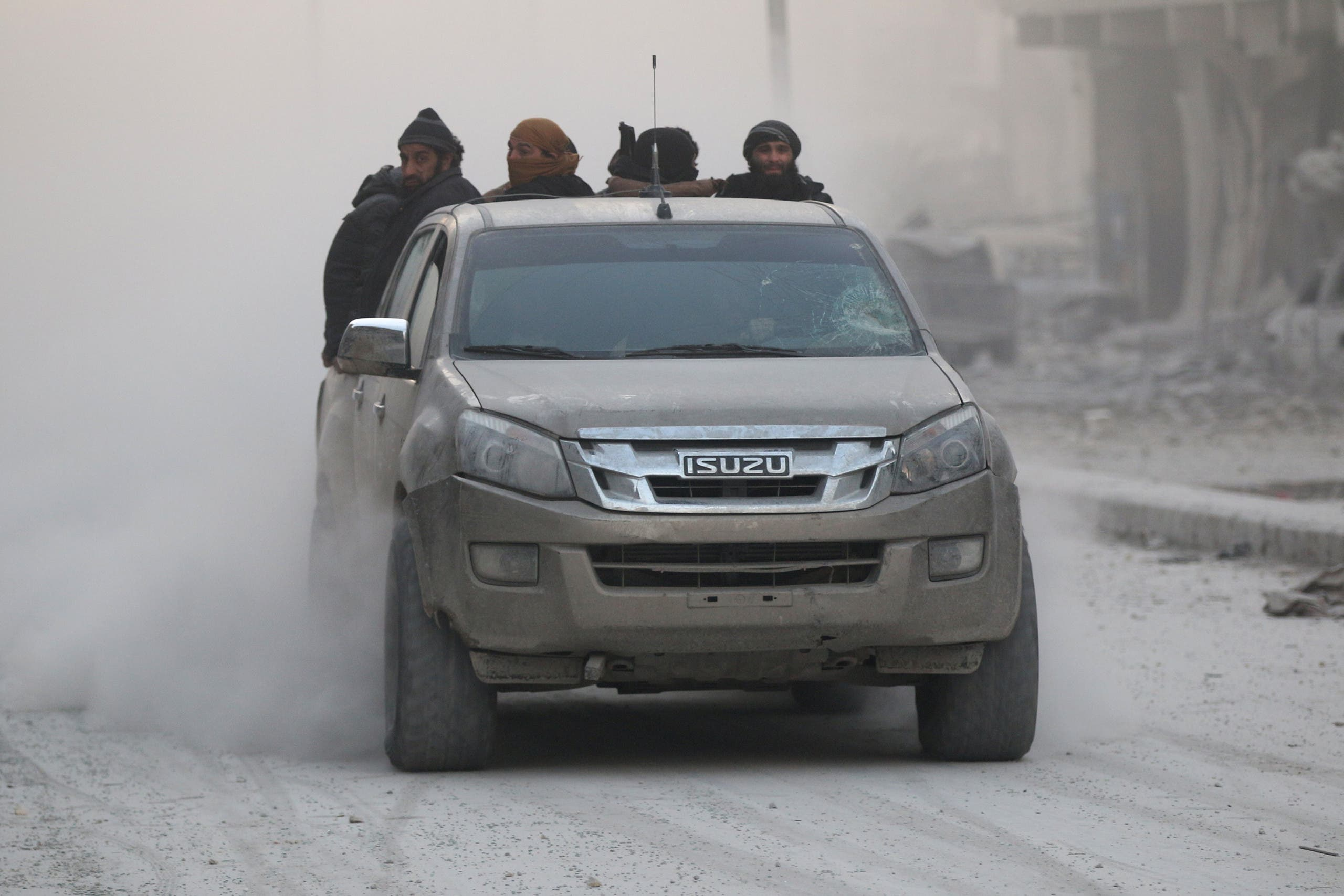 مقاتلون من المعارضة السورية في شرق حلب