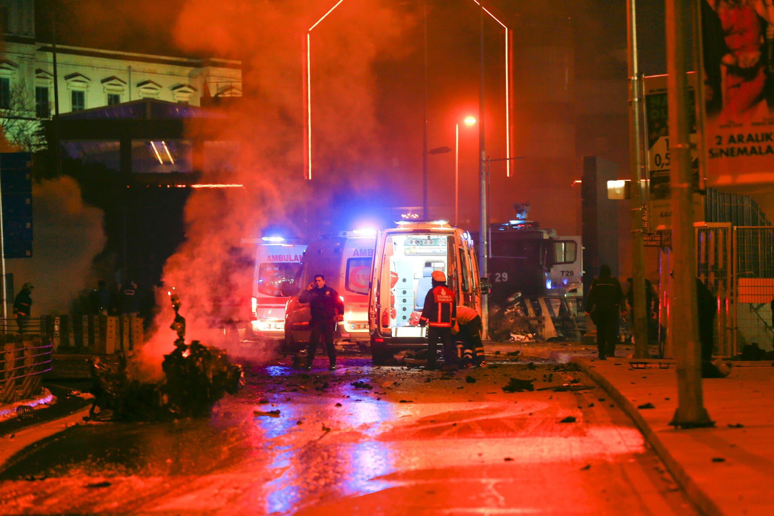 الانفجار المزدوج ضرب حافلة لقوات مكافحة الشغب