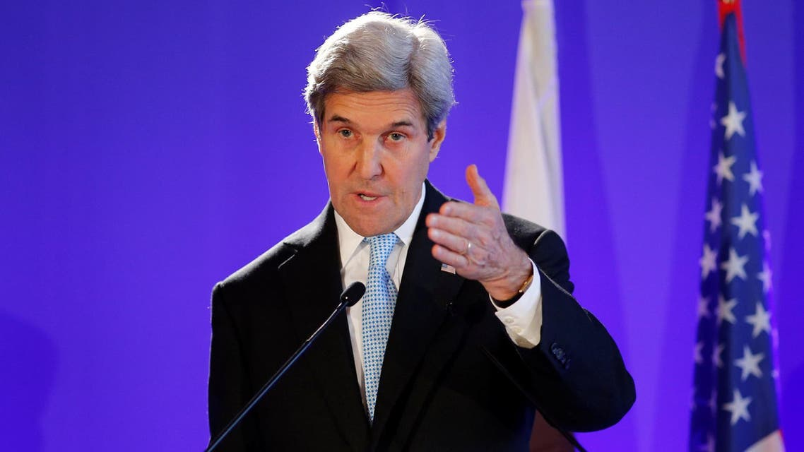 U.S. Secretary of State John Kerry attends a news conference after a meeting in Paris, France December 10, 2016 كيري