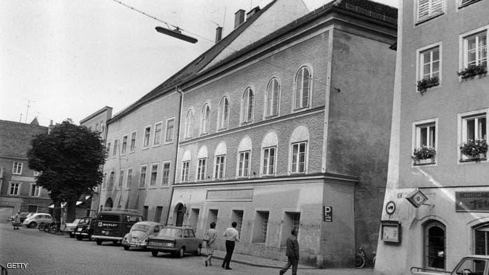 لقطة قديمة لمنزل هتلر