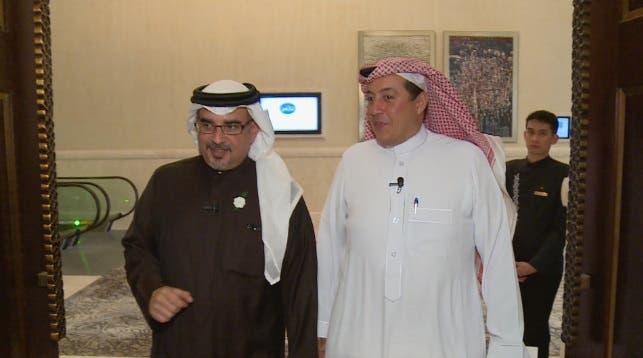از راست به چپ: ترکی الدخیل مدیر شبکه العربیه و شاهزاده سلمان بن حمد آل خلیفه ولیعهد بحرین