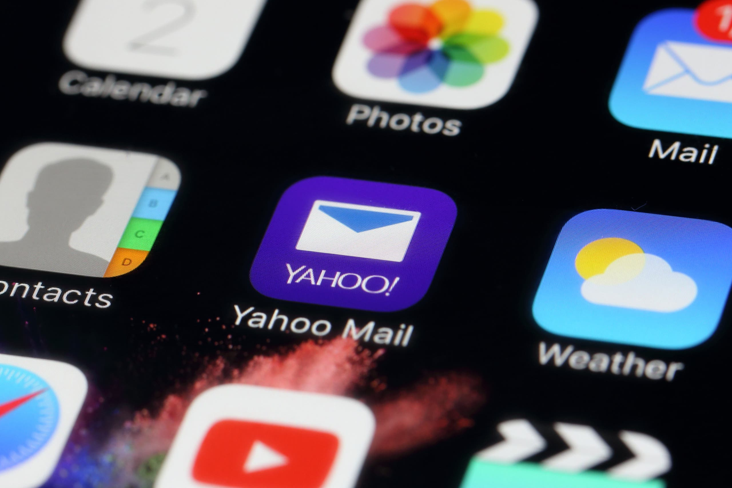 An application of Yahoo Mail. (Shutterstock)