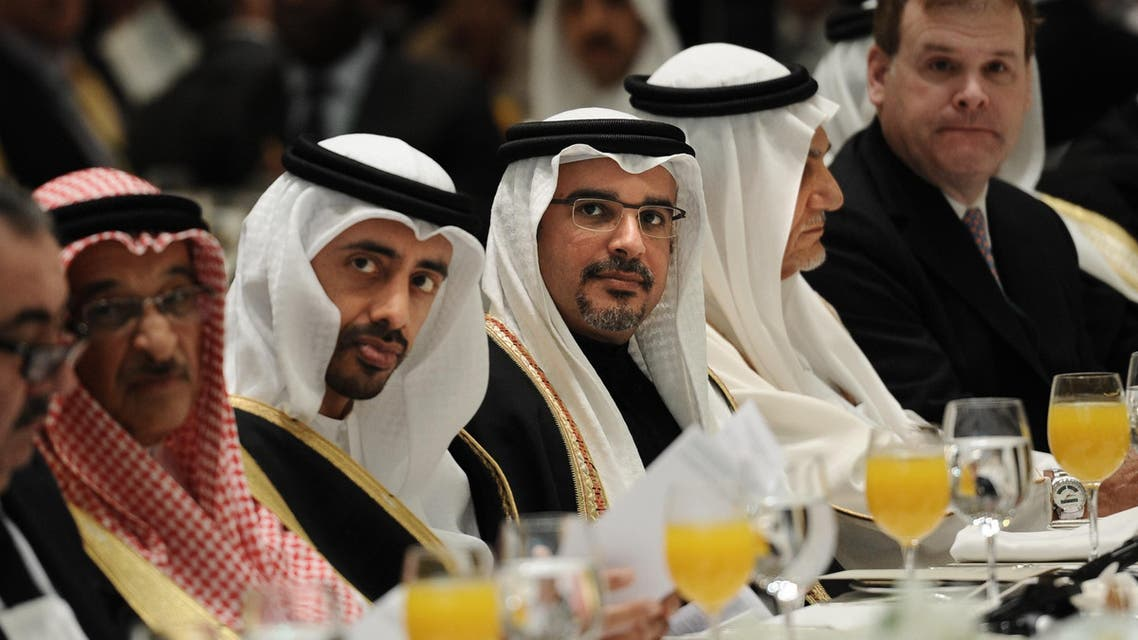Bahraini Crown Prince, Shaikh Salman bin Hamad Al-Khalifa (C) attends the 9th International Institute for Strategic Studies (IISS) Regional Security Summit in the Bahraini capital, Manama on December 6, 2013. AFP PHOTO/MOHAMMED AL-SHAIKH MOHAMMED AL-SHAIKH / AFP