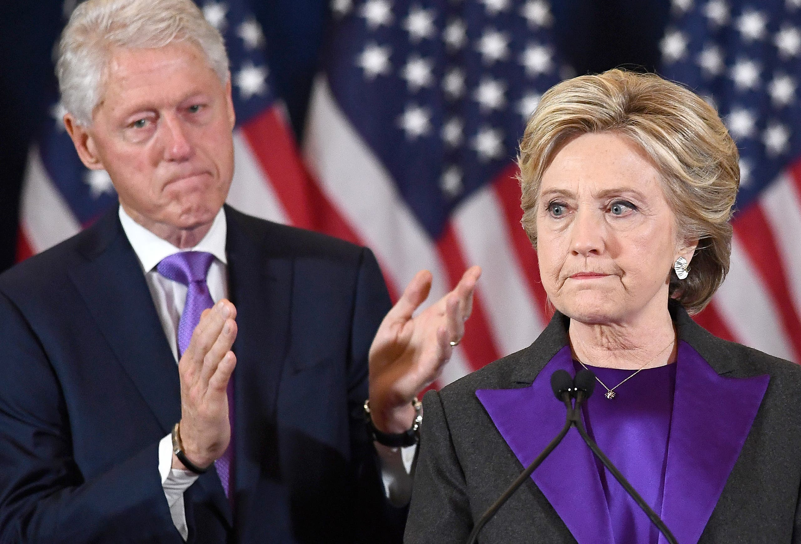كلينتون تعترف بهزيمتها في 2016