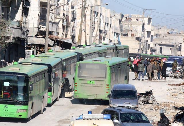 عمليات الإجلاء من شرق حلب توقفت
