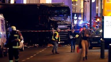 شاهد اللحظات الأولى بعد دهس شاحنة لرواد سوق في برلين