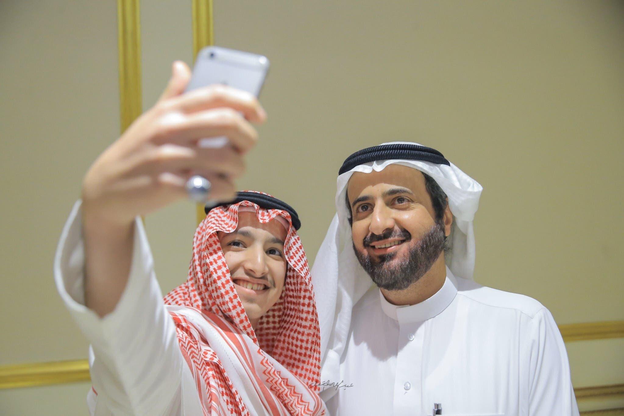 شاب سعودي يتبرع بكبده