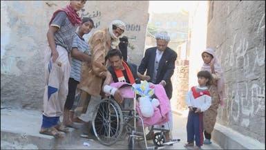منير فقد أربعة من أسرته وأطرافه بسبب الانقلابيين في تعز