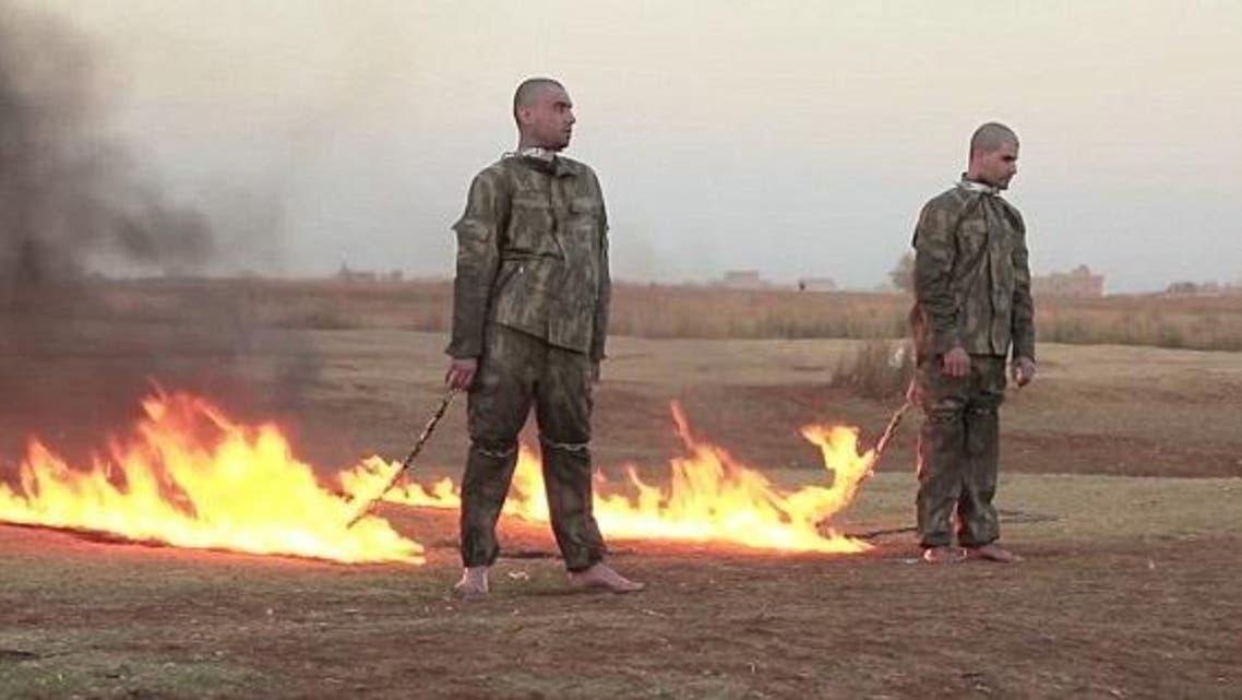 داعش يحرق جنديين تركيين