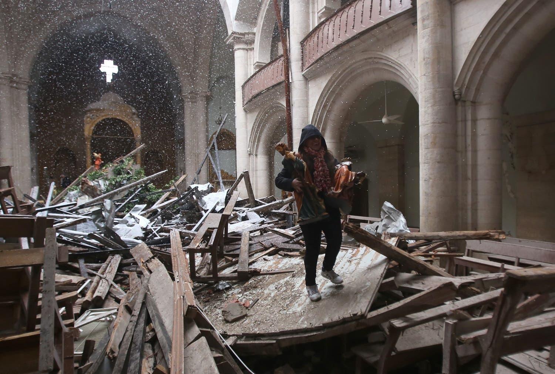 آبادی کے ماہر فیبرک بلانش کے مطابق حلب میں اس وقت صرف ایک لاکھ عیسائی مقیم رہ گئے ہیں۔جنگ سے قبل شام کے اس سب سے بڑے شہر میں عیسائیوں کی تعداد ڈھائی لاکھ کے لگ بھگ تھی۔