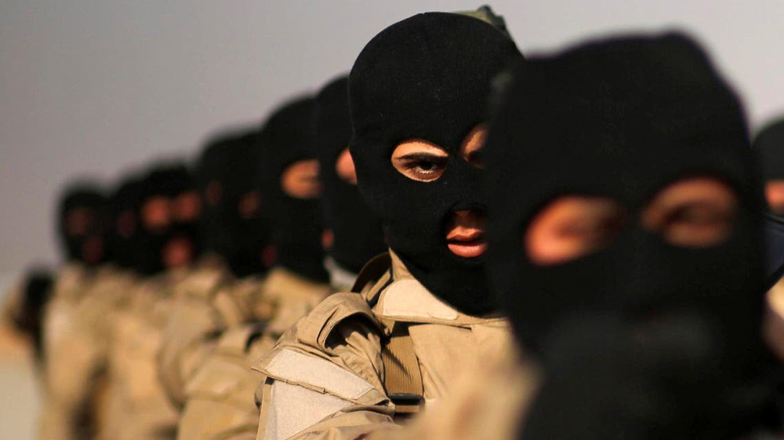 Iraqi fighters from Hashid Shaabi take part in a training at Makhmur camp in Iraq. (Reuters)
