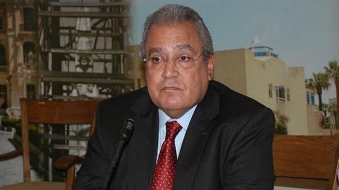 بالفيديو.. إصابة وزير مصري أسبق بجلطة على الهواء مباشرة