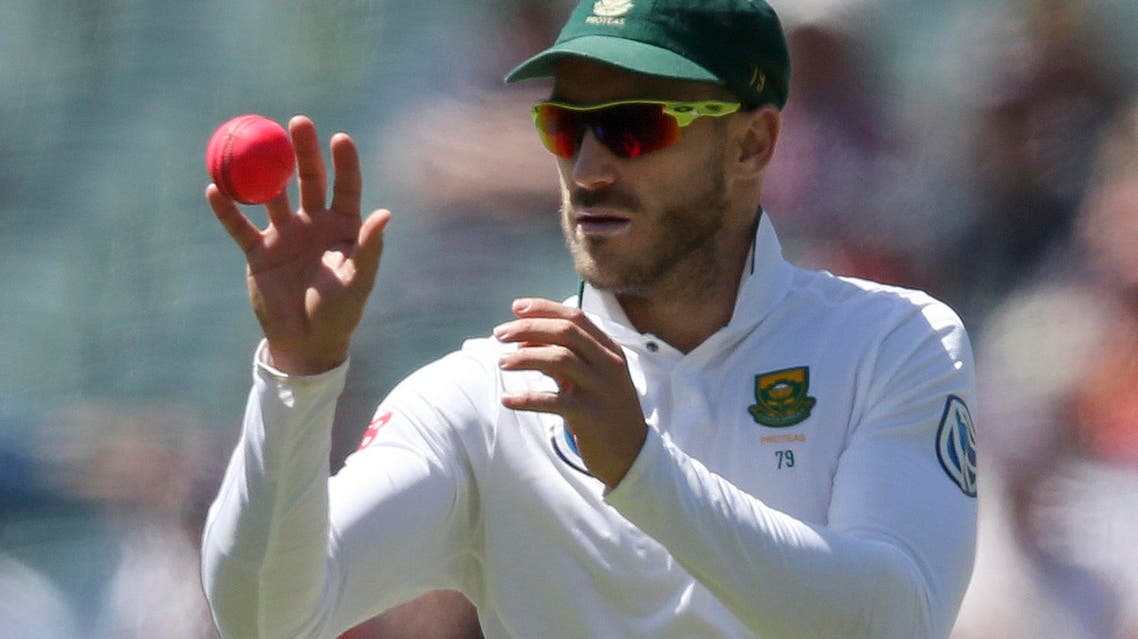 South Africa's Faf du Plessis catches the ball during their cricket test match against Australia in Adelaide, Australia, Friday, Nov. 25, 2016. (AP)