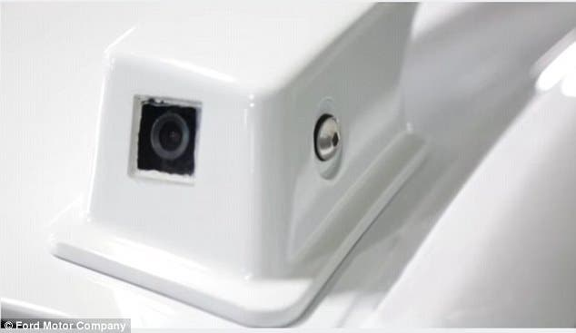السيارات الجديدة مزودة بحساسات وكاميرات ذات زوايا رؤية عريضة