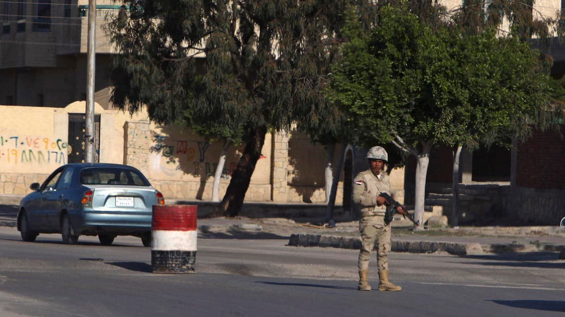 An Egyptian soldier mans a checkpoint in el-Arish, 290 kilometers (180 miles) east of Cairo, North Sinai, Egypt, Saturday, Jan. 31, 2015. (AP)