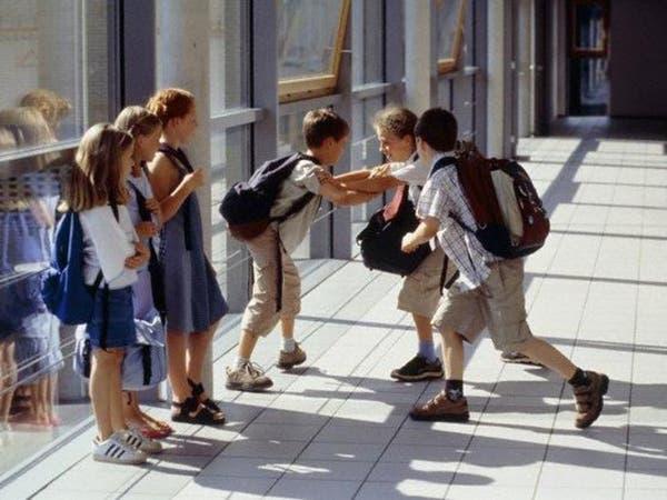 دراسة تحذر: العنف ينتشر كالعدوى بين الأصدقاء