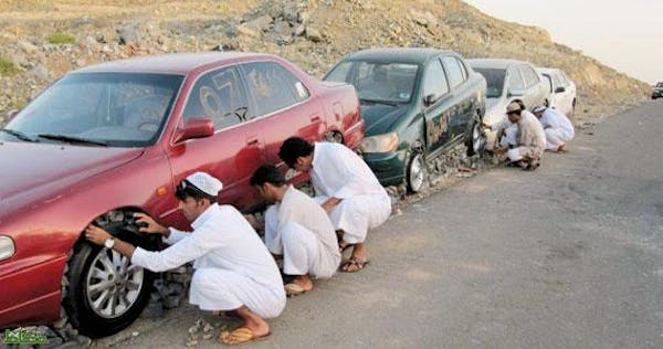 Saudis are 'stoning' their cars in the name of art