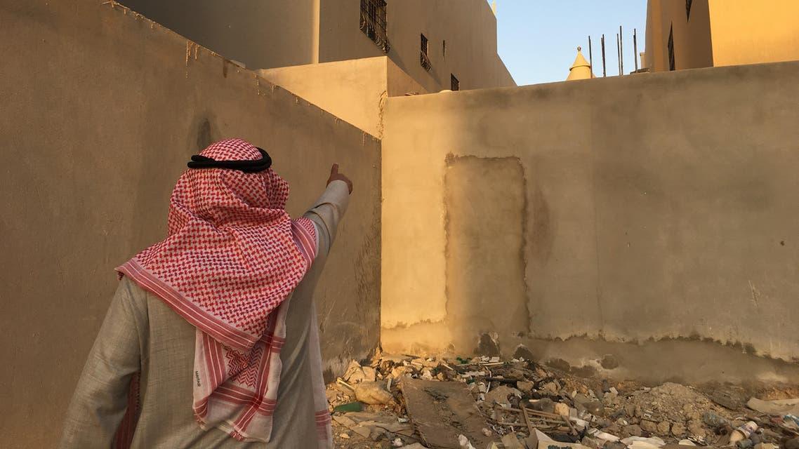 شاهد عيان يشرح كيف قفز الارهابيان الى منزل جاره