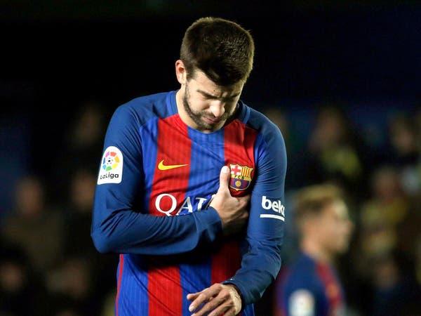 """بيكيه """"المتشدد"""" يخالف برشلونة وينتقد التحكيم"""