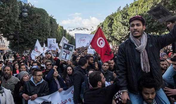 احتجاجات عشية الذكرى السادسة للثورة