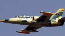 لیبیا : بنغازی کے مغرب میں فوج کا جنگی طیارہ گر کر تباہ