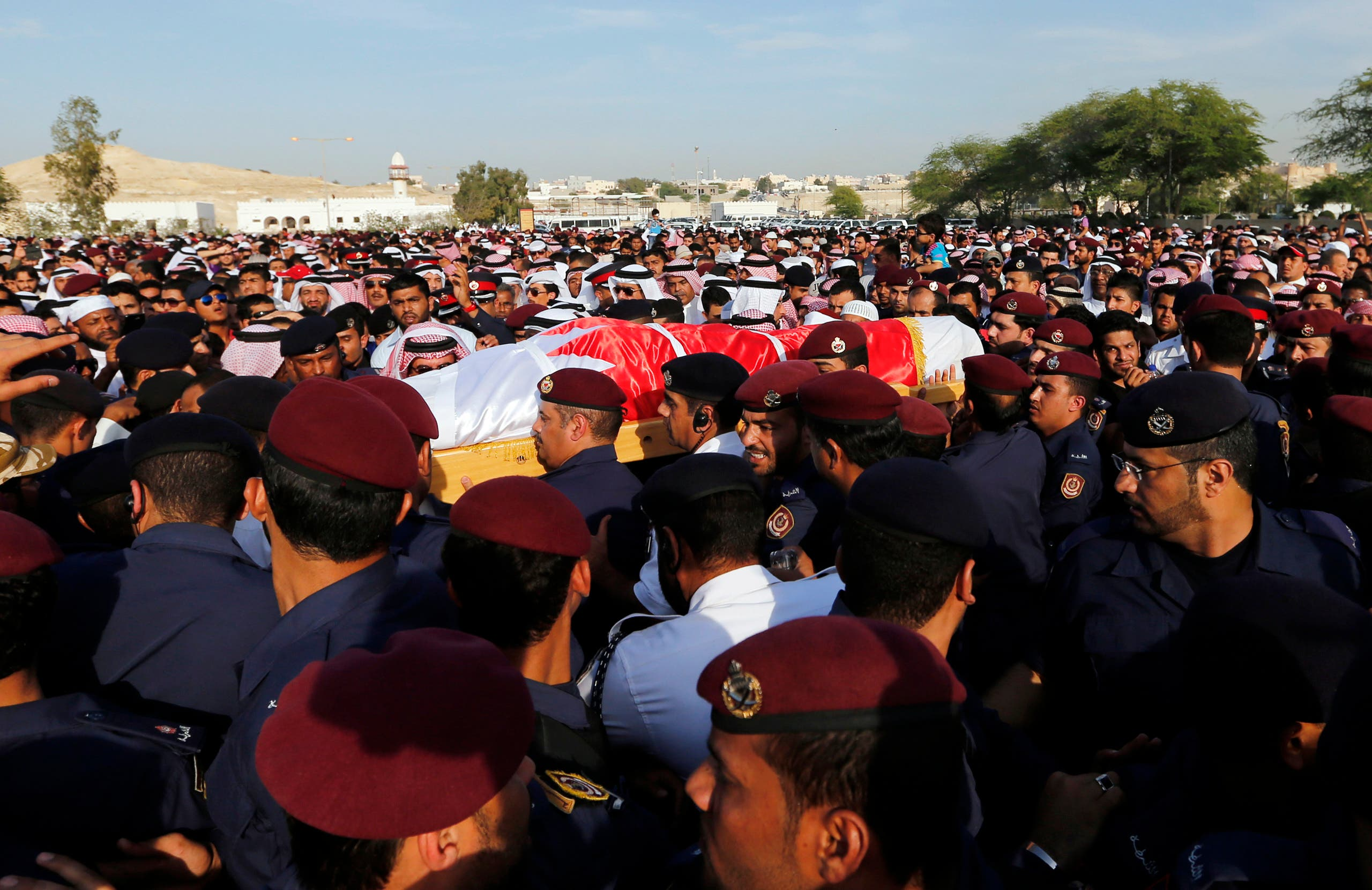 Mourners, including family members and fellow policemen, carry the body of policeman Ammar Abdulrahman Ali during his funeral procession in Hananya March 4, 2014. (File photo: Reuters)