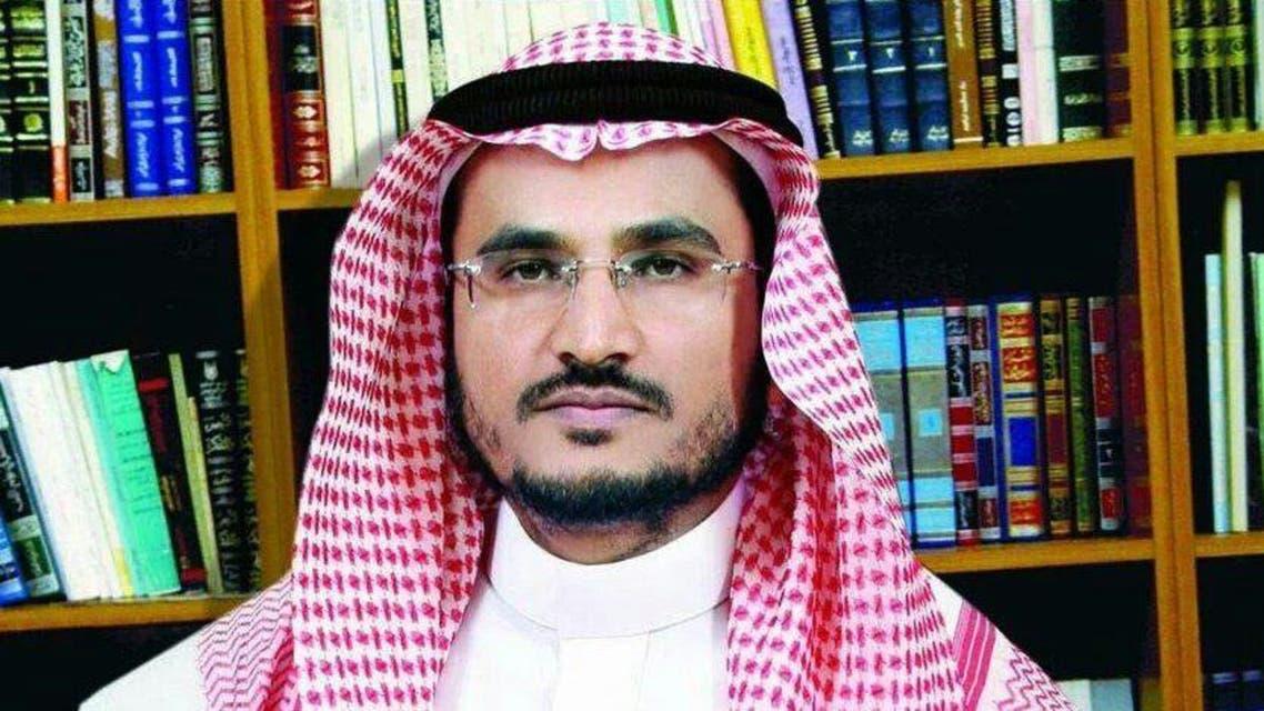 """شاهد.. سعودي ينتج """"الغاز"""" من الأشجار وفضلات الحيوانات!"""