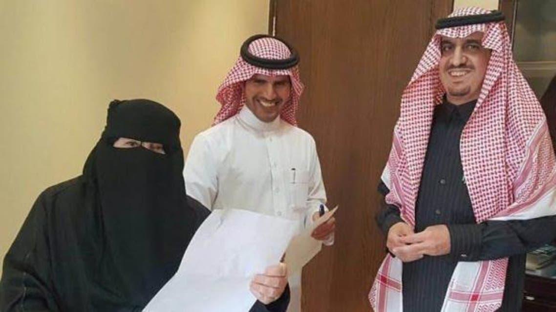 مسنة سعودية تطلب العودة لمقاعد الدراسة.. والسبب؟