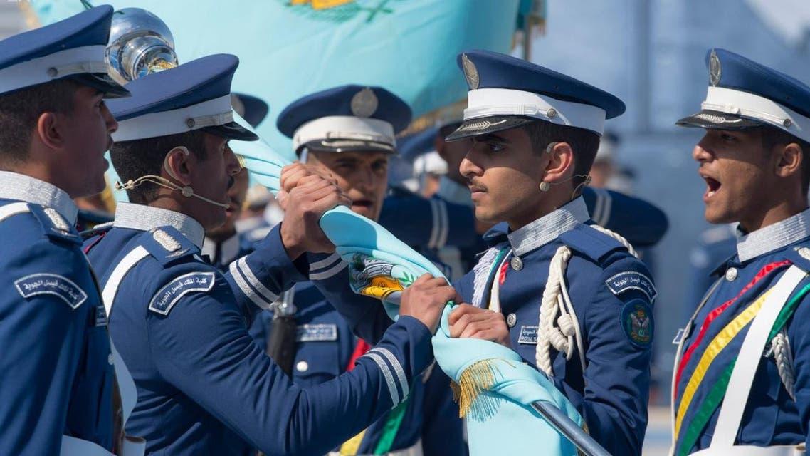 خادم الحرمين يرعى حفل كلية الملك فيصل الجوية