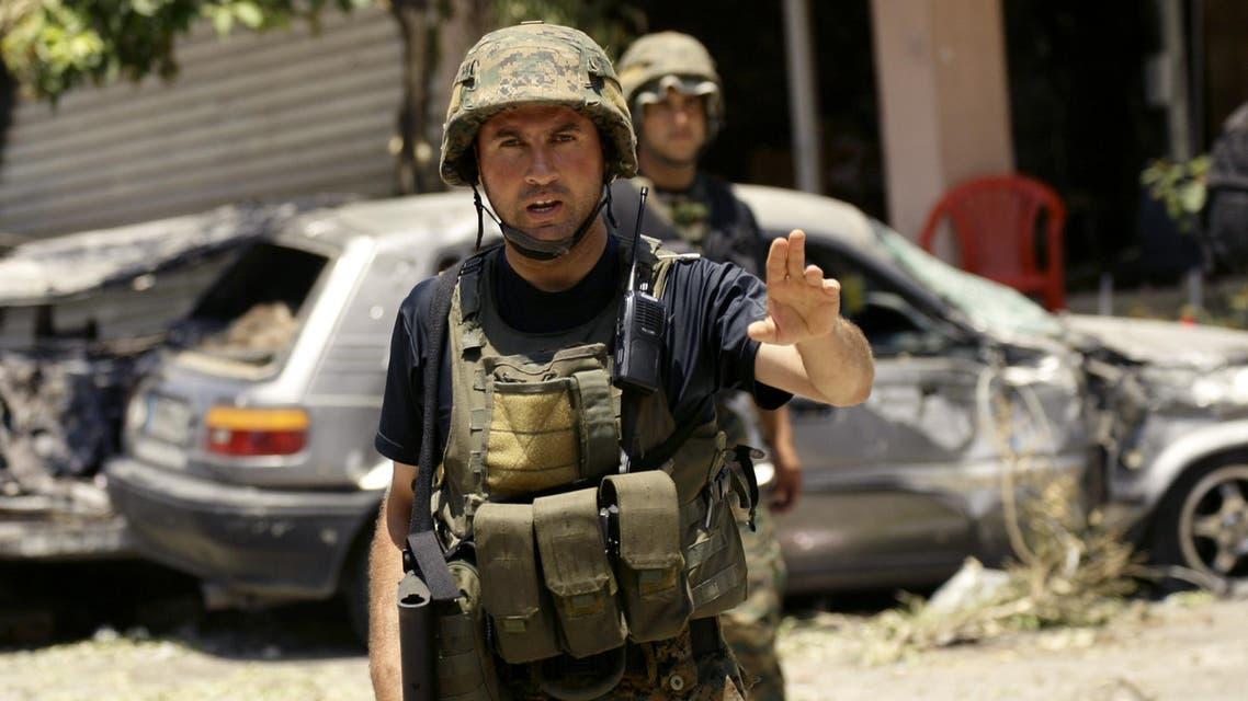 عنصران من الأمن اللبناني في صيدا - فرانس برس