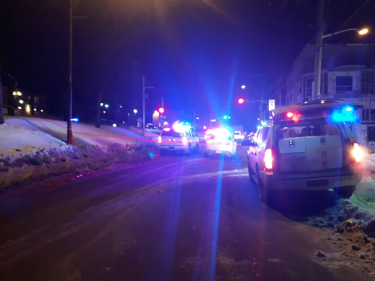 مقتل 5 أشخاص في إطلاق النار على مسجد بكندا