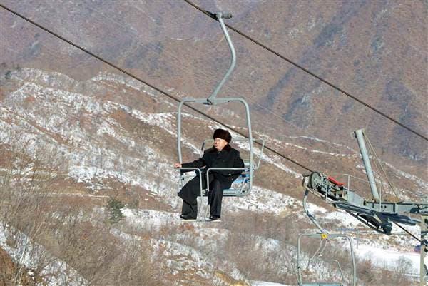 زعيم كوريا الشمالية في جولة سابقة بالمنتجع