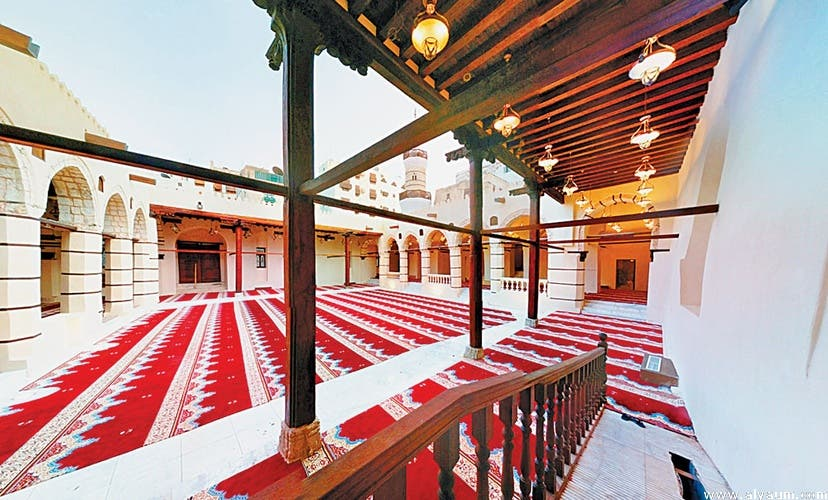 The mosque enjoys a beautiful architectural style