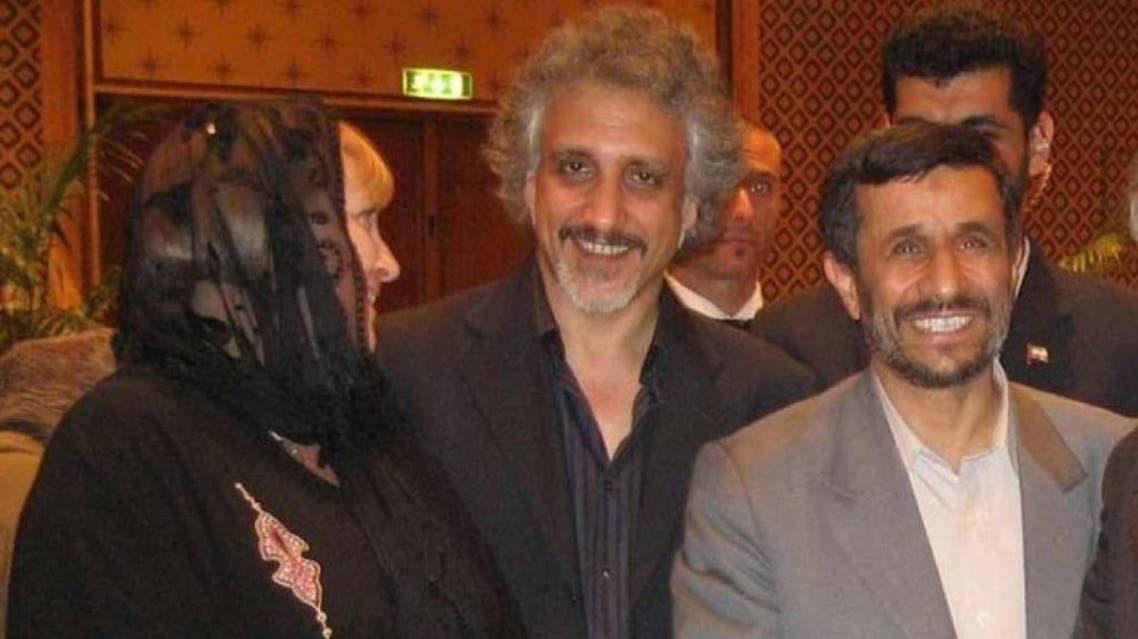 صورة أحمدي نجاد والزوجين بحسب الصحف الإيطالية