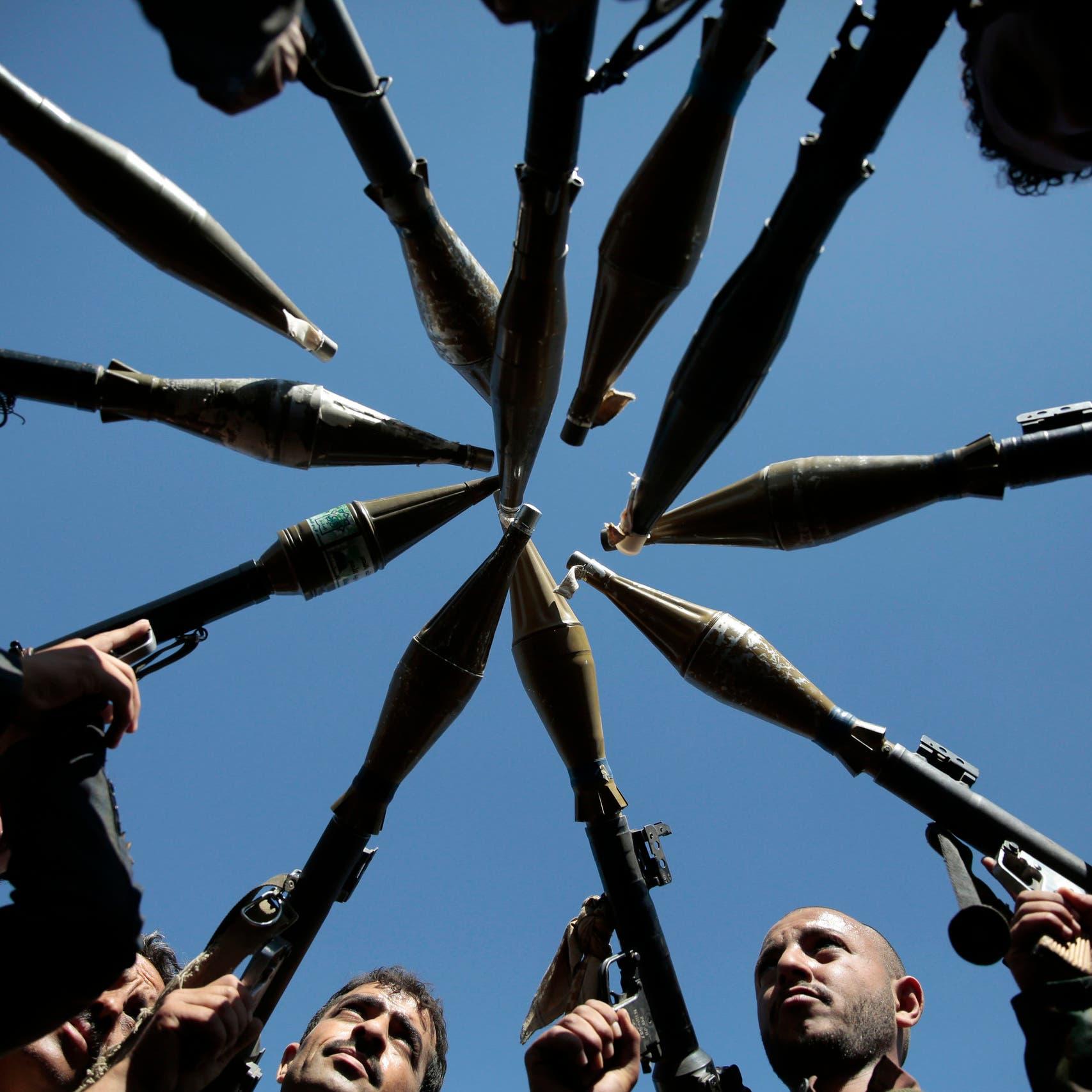 اعتقالات للحوثيين في الحديدة.. وسعي لنهب المساعدات