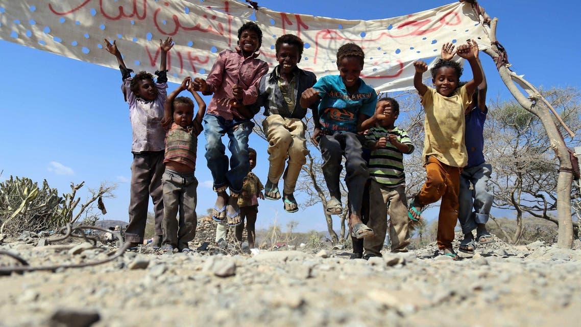 أطفال شردتهم الحرب في تعز في اليمن - فرانس برس