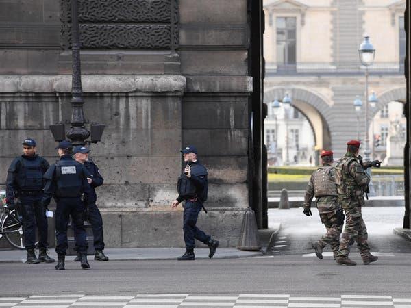 فرنسا ترجح فرضية الإرهاب في اعتداء اللوفر