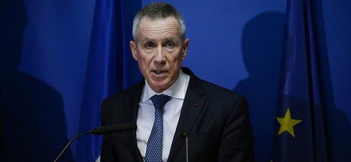 المدعي العام الفرنسي فرنسوا مولان، ذكر أن الحماحمي هاجم الشرطة بساطورين ثمنهما 680 يورو