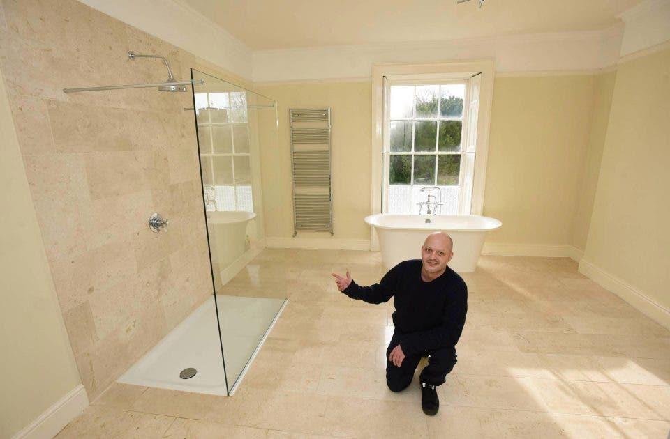 ebfcb822 00e9 4b4b a7ab c1b5e6f76ef5 - منزل فخم في بريطانيا معروض للبيع بأقل من 3 دولارات