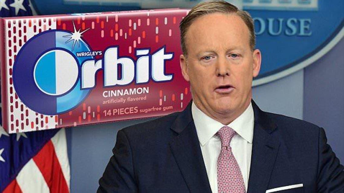 Sean Spicer chew gum