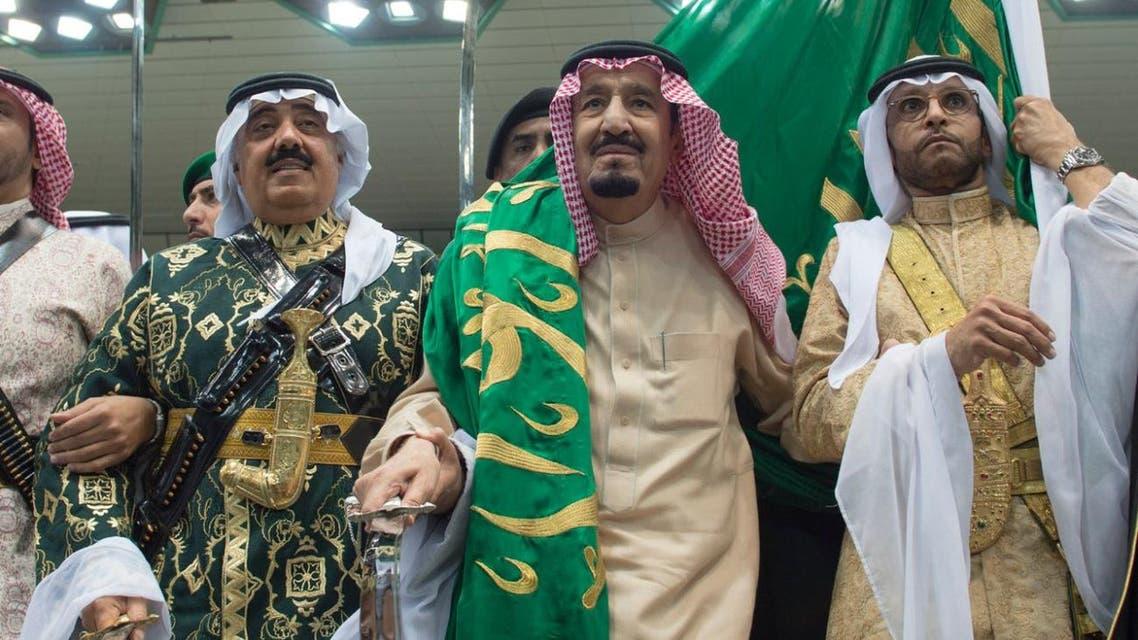 """الملك سلمان يشارك في """"العرضة"""" ضمن """"الجنادرية 31"""" رئيسية"""