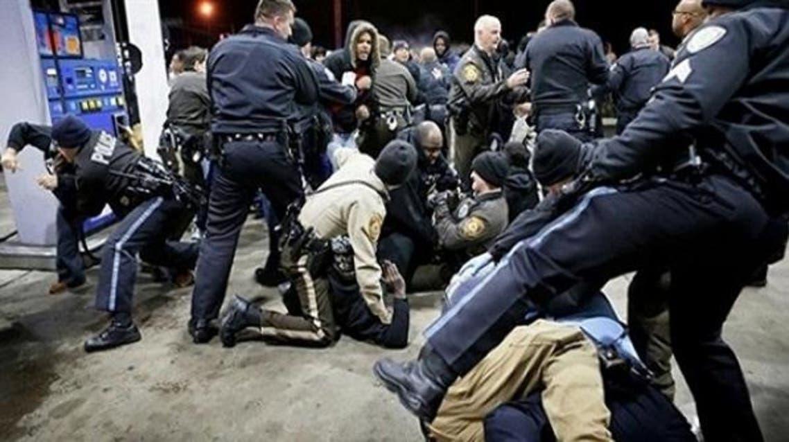 اعتقال مهاجرين في أمريكا