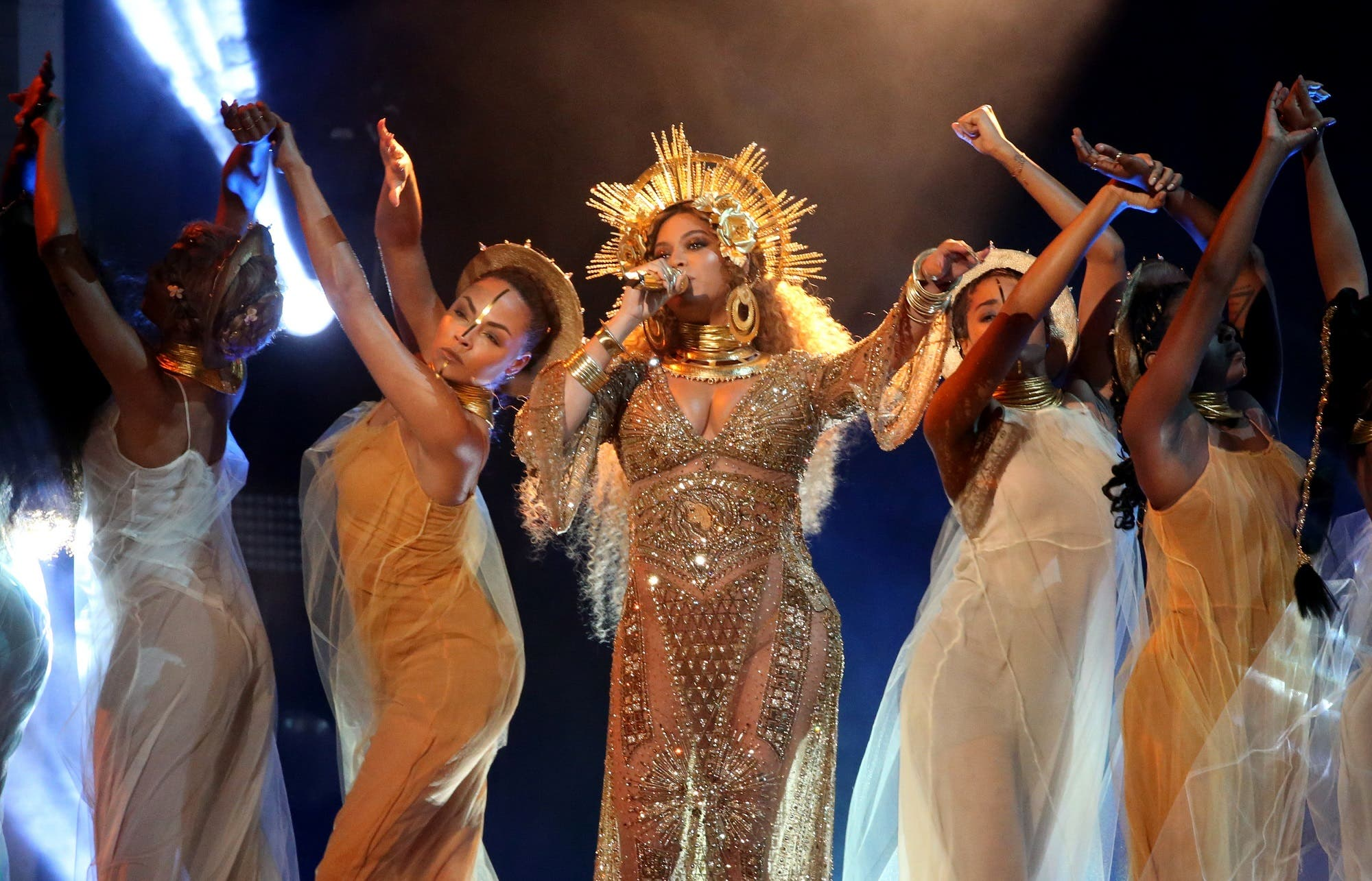 in pictures: pregnant beyonce channels ancient egypt at grammys, Powerpoint templates