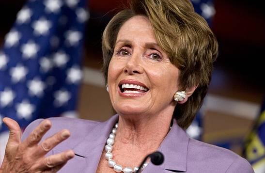 زعيمة الديموقراطيين في مجلس النواب نانسي بيلوسي