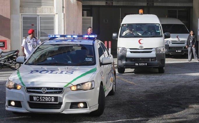 ورافقت الشرطة سيارة إسعاف  نقلته إلى المستشفى إلا أنه لفظ أنفاسه الأخيرة قبل أن يصل