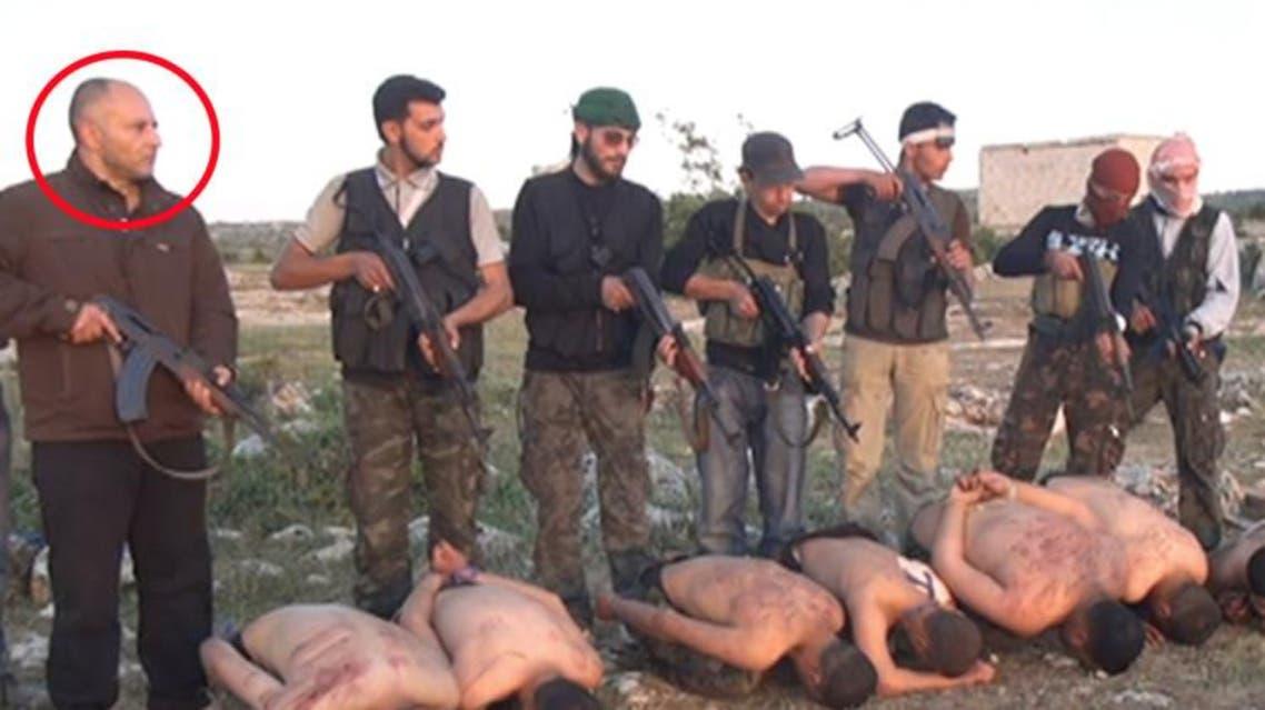 المقاتل السوري السابق هيثم سخنة ادين لمشاركته باعدام جماعي ضد 7 جنود سوريين