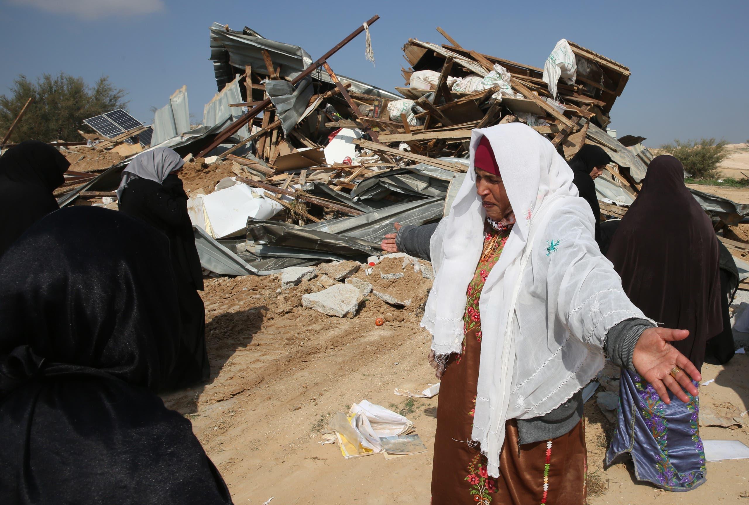 هدم مساكن بدو في إم الحيران البدوية