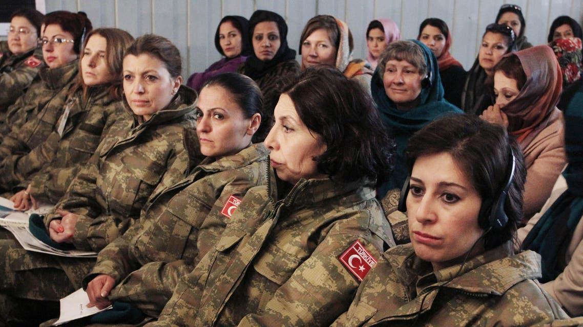 إناث في الجيش التركي ضمن قوة تحت قيادة الناتو - أسوشييتد برس