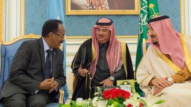 خادم الحرمين يبحث مع رئيس الصومال أوضاع المنطقة